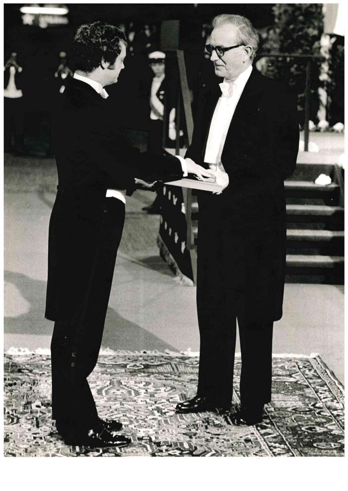 Rodney Porter receiving the Nobel Prize in 1972